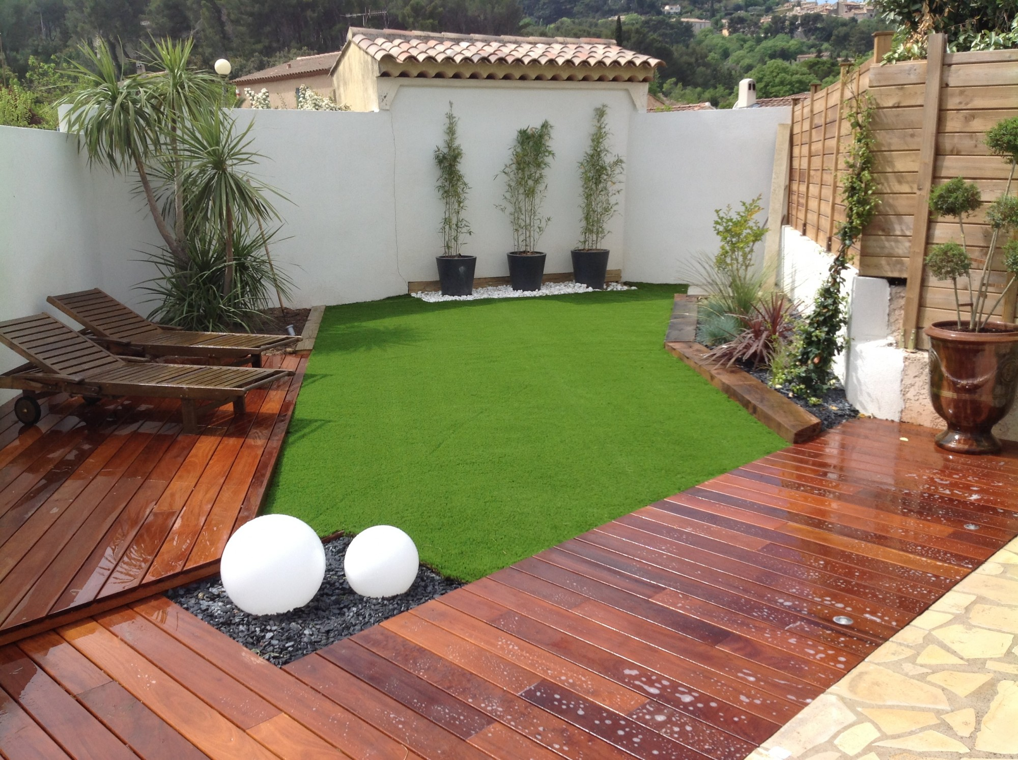 gazon artificiel petit jardin
